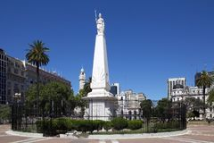 El Piramide de Mayo en Plaza de Mayo, Buenos Aires, la Argentina imagenes de archivo