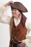 El pirata bonito de la señora ajusta su sombrero Imagenes de archivo