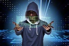El pirata informático joven en concepto cibernético de la seguridad imagen de archivo libre de regalías
