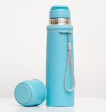 El plástico azul ahueca el aislamiento del metal Fotografía de archivo libre de regalías