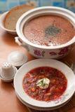 El plato nacional ruso es borsch rojo foto de archivo libre de regalías