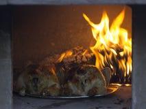 El pollo entero dos se cuece en el horno Foto de archivo libre de regalías