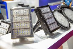 El polo del LED montó la bombilla fotos de archivo libres de regalías