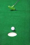 El poner del golf de la práctica Fotos de archivo