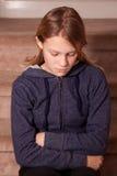 El poner mala cara de la muchacha adolescente Foto de archivo libre de regalías