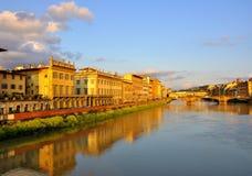 El Ponte Vecchio en Florencia, Italia imagen de archivo libre de regalías