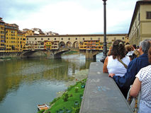 El Ponto Vecchio en Florencia en Italia imagen de archivo libre de regalías