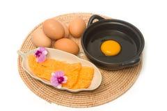 El postre tailandés de los hilos de oro, los dulces tailandeses hizo que la forma egg el yugo Fotografía de archivo