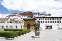 El Potala en Lhasa Imágenes de archivo libres de regalías