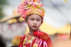 El Poy cantó ceremonia larga en Mae Hong Son, Tailandia foto de archivo