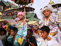El Poy cantó ceremonia larga en Mae Hong Son, Tailandia imagen de archivo