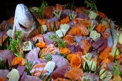 ¡El pozo adornó el Sashimi para todos nosotros! Fotografía de archivo libre de regalías