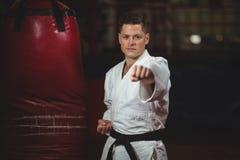 El practicar del jugador del karate Fotografía de archivo