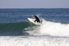 El practicar surf imagenes de archivo