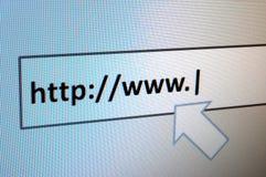 El practicar surf de Internet Imágenes de archivo libres de regalías