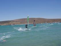 El practicar surf en la costa mediterránea Foto de archivo libre de regalías