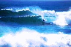 El practicar surf extremo Imágenes de archivo libres de regalías