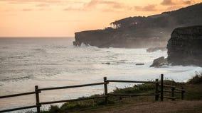 El practicar surf por la mañana Fotografía de archivo libre de regalías