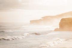 El practicar surf por la mañana Imagen de archivo