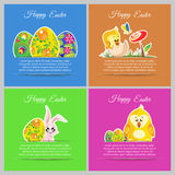 El prado feliz del sistema de tarjetas de pascua con el pollo recién nacido, flor, mariposa, adorna los huevos florales Fotografía de archivo libre de regalías