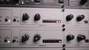 El preamplificación del mic que se utiliza en el estudio de radio metrajes