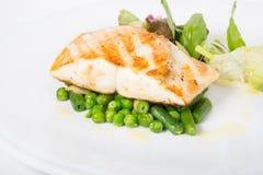 El prendedero de pescados blancos frito con adorna Imagen de archivo