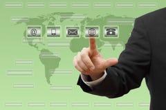 El presionar del hombre de negocios virtual (correo, teléfono, correo electrónico, botones del ww w) concepto de la atención al c Imagen de archivo