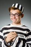 El preso divertido en concepto de la prisión imagenes de archivo