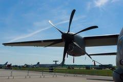 El primer de Rolls Royce AE2100-D2A del motor de turbopropulsor un militar mediano transporta los aviones Alenia C-27J espartano Foto de archivo libre de regalías