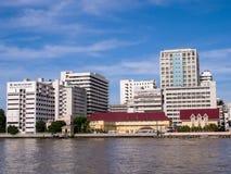 El primer hospital en Tailandia debajo del cielo azul fotografía de archivo