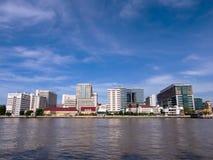 El primer hospital en Tailandia debajo del cielo azul Foto de archivo libre de regalías