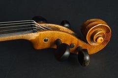 El primer tiró de un fretboard y de un soundhole de la guitarra acústica Foto de archivo libre de regalías