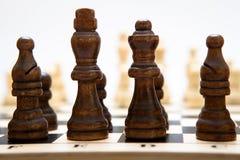 El principio de un juego de ajedrez Foto de archivo libre de regalías