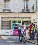 El prólogo 2013 de Renshaw- París de la marca del ciclista Niza en Houilles Imagenes de archivo