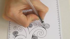 El proceso de dibujar una imagen artística es el árbol de la vida