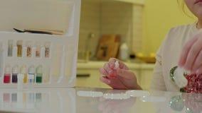 El proceso de hacer el limo en casa metrajes