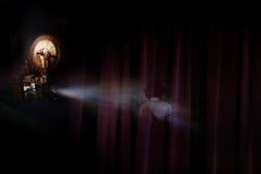 El proyector muestra la película de terror, fantasma del niño Fotos de archivo libres de regalías