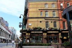 El pub/el restaurante de Albert en Londres fotos de archivo