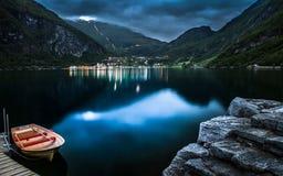 El pueblo de Geiranger en Noruega Imágenes de archivo libres de regalías