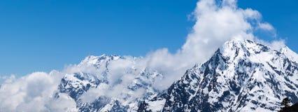 El pueblo de monta?a por la ma?ana con luz del sol en Lachen en Sikkim del norte fotos de archivo libres de regalías