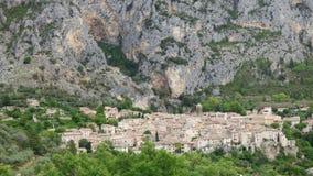 El pueblo de Moustiers-Sainte-Marie, Francia, Europa fotos de archivo libres de regalías