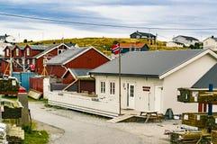 El pueblo de Trondelag bajo tiempo lluvioso, con el típico Fotos de archivo