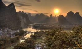 El pueblo de xingping en la provincia de Guangxi del río del li Imágenes de archivo libres de regalías