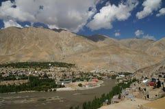 El pueblo en Kargil en las montañas de Himalaya, la India Imagen de archivo libre de regalías