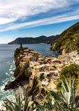 El pueblo famoso de Vernazza en Cinque Terre Italy fotografía de archivo libre de regalías