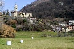El pueblo rural de Carabbia, Suiza Imagen de archivo libre de regalías