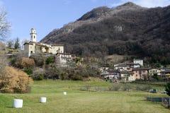 El pueblo rural de Carabbia, Suiza Foto de archivo