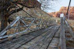 El puente de balanceo Fotos de archivo libres de regalías