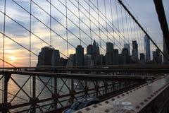 El puente de Brooklyn imagenes de archivo
