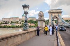 El puente de cadena en Budapest, Hungría Fotografía de archivo